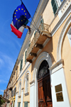 Sassari / T�thari, Sassari province, Sardinia / Sardegna / Sardigna: European and local flags - offices of the forestry and tourism departments - via Roma - Ente Foreste Della Sardegna ed Azienda Autonoma di Soggiorno e Turismo - photo by M.Torres
